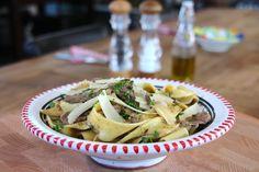 Pappardelle al tartufo e filetto Catering, Meat, Chicken, Food, Meal, Eten, Meals, Buffalo Chicken, Cubs