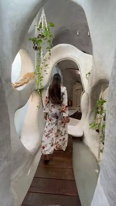 Maison Earthship, Earthship Home, Fun Places To Go, Beautiful Places To Travel, Azulik Tulum, Tulum Mexico, Architecture Restaurant, Honeymoon Pictures, Romantic Honeymoon