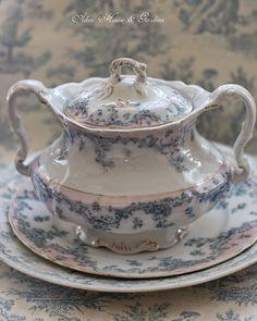 Aiken House & Gardens: Blue & White transferware, antique and lovely china Teapots And Cups, Teacups, Purple Plates, Tea Website, China Tea Sets, Enjoy Your Weekend, Blue Hydrangea, Blue China, House Gardens
