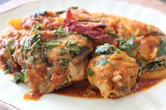 Chicken Vindaloo by Yudhika Sujanani Veggie Recipes, Indian Food Recipes, My Recipes, Real Food Recipes, Cooking Recipes, Chicken Vindaloo, Roast Chicken, Sugar And Spice, Health Diet
