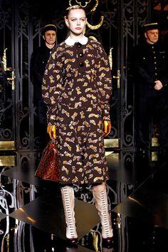 Louis Vuitton Fall 2011 Ready-to-Wear Fashion Show - Frida Gustavsson (IMG)