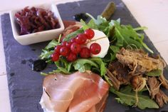 French Ploughman's | Chez Le Rêve Français Red Onion Chutney, Dinner Party Starters, Easy Starters, Duck Confit, Gastro Pubs, Roasting Tins, Oven Dishes, Brunch Dishes, Pickled Onions