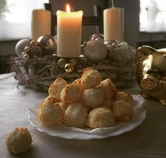 První paleo cukrfree kokosky a vlastně vůbec první kokosky v mém životě a jsou super! First paleo and sugarfree christmas coconut pastry! Děkuju @cukrfree.cz za recepis a inspiraci. Recept na zdravé kokosky zde: http://ift.tt/1O03Kr7 #paleo#cukrovi#cukrfree#paleolife#paleodiet#sugarfree#coconut#pastry#loveit#vanoce#veselevanoce#christmas#kokos#kokosky by susiedrozd