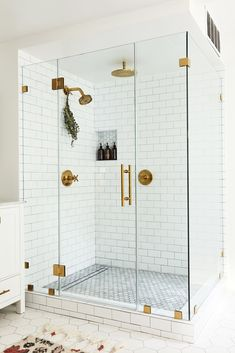 Youngsters Area Home Furnishings Bath Room, Enclosed Shower, Porcelain Tile Floor, And Subway Tile Wall Bathrooms We Love: Beauty Vlogger Kristin Johns Showcases Her Glistening Bathroom In Los Angeles - Photo 6 Of 9 - Modern Master Bathroom, White Bathroom, Small Bathroom, Modern Bathrooms, Bathroom Ideas, Zebra Bathroom, Bathroom Showers, Ikea Bathroom, Minimalist Bathroom