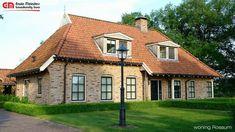 Landelijke woning in saksische stijl, met rode dakpannen.