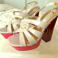 Sling back platform heel sandals Platform in the front. Thick square hill, heel height six inches, sling back Shoes Sandals
