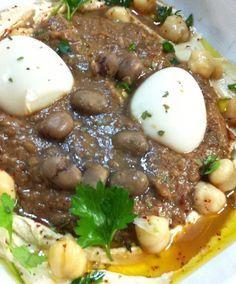 מתכון אמיתי לפול מצרי שמבשלים בסיר לחץ. פול מצרי מעולה להגשה עם צלחת חומוס וביצים קשות בארוחת שישי או בשבת בצהריים. מתכון ילדות עם ריחות וטעמים נפלאים!