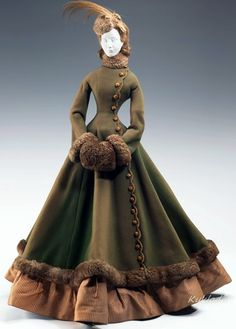 A historical fashion doll, created by Jacques Fath in representing 1867 fashion Historical Costume, Historical Clothing, Historical Dress, Vintage Gowns, Vintage Outfits, Dress Vintage, Victorian Fashion, Vintage Fashion, 1800s Fashion