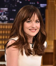 "Dakota Johnson Photos Photos - Dakota Johnson Visits ""The Tonight Show Starring Jimmy Fallon"" at Rockefeller Center on February 2015 in New York City. - Dakota Johnson Visits 'The Tonight Show' Full Fringe Hairstyles, Hairstyles With Bangs, Cool Hairstyles, Hairstyles 2018, Latest Hairstyles, New Hair, Your Hair, Medium Hair Styles, Short Hair Styles"