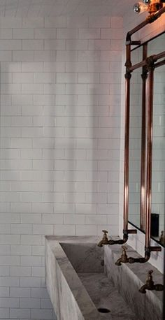 marble bathroom sink and copper taps with exposed pipes Trough Sink, Interior, Trendy Bathroom, Industrial Bathroom, Bathrooms Remodel, Bathroom Design, Bathroom Decor, Sink, Beautiful Bathrooms