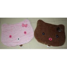 Bantal Hello Kitty ukuran 60 x 60 cm Harga Rp. 150.000 tersedia beberapa macam corak,motif dan warna dapat di jadikan alas untuk kucing dan anjing kesayangan anda, terbuat dari bahan bludru pilihan Info pemesanan Telpon : (022) 723-7626 BBM : 2a750c6c