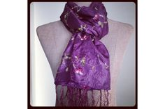 5f205caf50ad 30 meilleures images du tableau Foulard violet   Cashmere wool ...