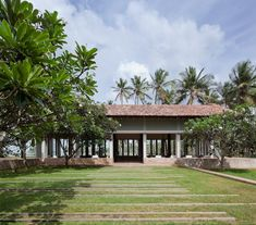 Amanwella (Aman Resorts), Tangalle, Sri Lanka, by Kerry Hill Architects Tropical Architecture, Hotel Architecture, Tropical House Design, Tropical Houses, Kerry Hill Architects, Thai House, Building A Container Home, House On Stilts, New House Plans