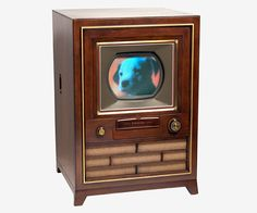 the MEXICAN  Engineer Guillermo Gonzalez Camarena invented the first color TV in the world.