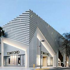 Tom Ford Miami! #tomford #store #art #archlovers #architecture #arquitetura #instadesign #instabeautiful #especial #luxo #luxury #miami #arquitetura #cool #style #love #white