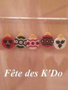 Christmas ornaments hama perler by fetedeskdo Beaded Ornaments, Xmas Ornaments, Christmas Card Crafts, Holiday Crafts, Hama Beads Patterns, Beading Patterns, Christmas Perler Beads, Beading For Kids, Motifs Perler