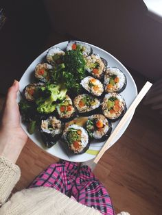 "oleakk: Raw vegan sushi - Sooo good! Since I've changed my lifestyle to raw till 4/high carb low fat vegan ""diet"" I am soo happy and feel s..."