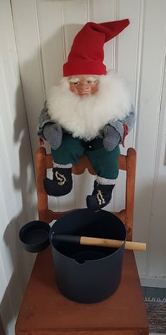 Takalo-Roppolan puutarha- ja mansikkatila Elf On The Shelf, Holiday Decor, Home Decor, Decoration Home, Room Decor, Home Interior Design, Home Decoration, Interior Design