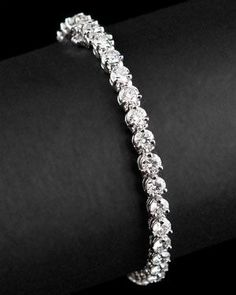 (SIZE: as small as it can be) Gorgeous Tennis Bracelet