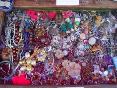 paris flea market - on to jewelry recycling.      I LOVE FINDING JUNK JEWELRY.................
