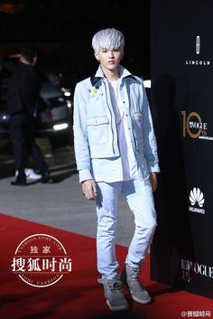 #吴亦凡 #kriswu #wuyifan   VOGUE CHINA十周年庆典,吴亦凡,太帅了T_T……