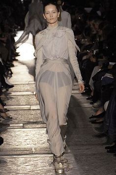 See all the Collection photos from Rick Owens Spring/Summer 2007 Ready-To-Wear now on British Vogue Rick Owens, Vogue Paris, Mannequins, Ready To Wear, Fashion Show, Spring Summer, Model, How To Wear, Beauty