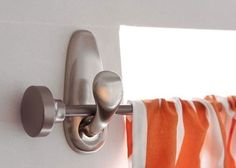 How to hang #curtains with #Command hooks from #3M and YOUHANGIT + YOULEVEL, perfect for #bachelors!