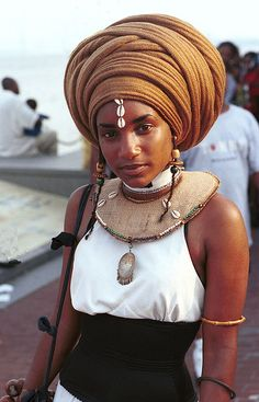 Ethiopian Beauty - love the shape of the dress (high neck halter, use lace collar in place of the necklace) - repined from Lima/Peru by www.chirimoyatours.com