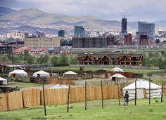 Ulaanbaatar, Mongolia Fue aquí a principios de los años 90 y ayudó a construir un gimnasio además de una de las escuelas.