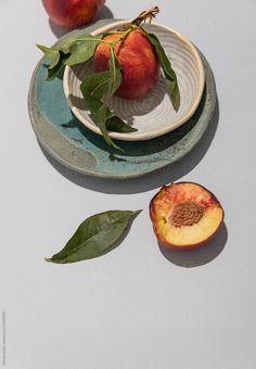 Peach still life by Natasa Kukic - Stocksy United Fruit Photography, Still Life Photography, Still Life Fruit, Still Life Drawing, Still Life Photos, Photo Composition, Fruit Art, Creative Portraits, Fruit And Veg