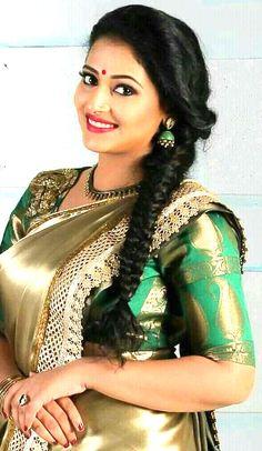 Amazing curves and beautiful face! Beautiful Girl Photo, Beautiful Girl Indian, Most Beautiful Indian Actress, Most Beautiful Women, Beautiful Wife, Beautiful Saree, Indian Natural Beauty, Indian Beauty Saree, Beautiful Bollywood Actress