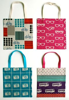 10 Free Tote Bag Patterns and Tutorials - Made #6 on this list. Cute and pretty easy!