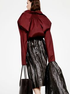 See the complete Nina Ricci Pre-Fall 2016 collection.