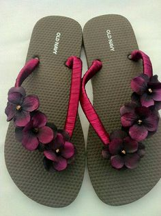 Discover thousands of images about diy flip flops, diy birthday gifts, birthday gifts for men Simple Sandals, Cute Sandals, Flip Flop Sandals, Beach Sandals, Shoes Sandals, Flip Flops Diy, Decorate Flip Flops, Cheap Flip Flops, Flip Flop Craft
