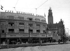 Coolsingel met zicht op café-restaurant pschorr en op de achtergrond de stadhuis (jaren 30)