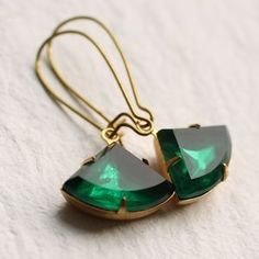 I've just found Art Deco Emerald Earrings. Vintage jewel earrings in a classic art deco shape and a rich, vibrant emerald green colour. Art Deco Jewelry, Fine Jewelry, Jewellery Box, Jewellery Designs, Jewellery Shops, Antique Jewellery, Diamond Jewellery, Men's Jewelry, Silver Jewelry