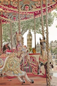 London Southbank Carousel Fun ride with friends! Carrousel, Brian Dettmer, Carosel Horse, Tableaux Vivants, Amusement Park Rides, Carnival Rides, Painted Pony, Fun Fair, Merry Go Round