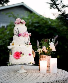 Pretty wedding cake.