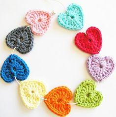 Crochet lovely Hearts for beginners !  Free pattern & video -- >http://wonderfuldiy.com/wonderful-diy-lovely-crochet-hearts/
