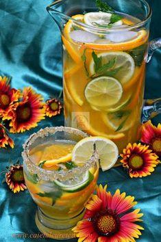 Limonada de citrice - CAIETUL CU RETETE Happy Drink, Lemon Detox, Fruit Infused Water, Romanian Food, No Cook Desserts, Raw Vegan Recipes, Health Snacks, Summer Treats, Drinking Tea