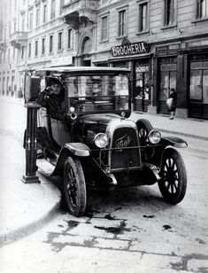 Taxi in Milano, 1920s