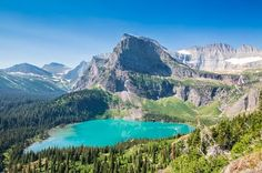 Top Spots For Nature Photography || Image Source: https://sites.google.com/site/peterbenedictca/_/rsrc/1496314352584/blog/Top-Spots-For-Nature-Photography/Top-10-Tips-for-Visiting-Glacier-National-Park-GI-365-2.jpg?height=266&width=400