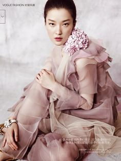 Du Juan Is Feminine Froth, Lensed By Yin Chao In 'A Fairy's Dream' For Vogue China December 2014 — Anne of Carversville Vogue China, Japan Kultur, Color Lila, Rose Pastel, Lilac, Malva, Mode Editorials, Fashion Editorials, Foto Art