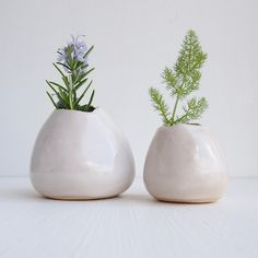 White ceramic bud vase, white bud vase, white vase, white flower vase, wedding table decoration, ceramic wedding gift, plant pot, small vase