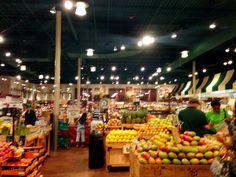 Fabulous Market! #FreshMarket in #PeachtreeCity #georgia #hollywoodmomblog & Tracy Bobbitt on location