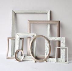 Ordered some distressed frames from this Etsy shop for a new project. Shabby Chic Frames, Rustic Frames, Old Frames, Parisian Bedroom, Bedroom Vintage, French Country Wall Decor, Cowboy Room, Distressed Picture Frames, Parlor Room