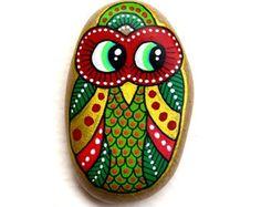 Buho de piedra pintados a mano / Gufo por ISassiDellAdriatico