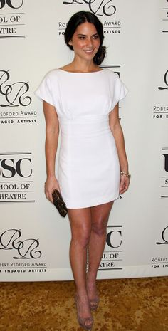 Olivia Munn Photos - Actress Olivia Munn attends the University of Southern California School of Theatre gala fundraiser honoring actor Robert Redford with the Inaugural Engaged Artist Award, named in his honor, at the Beverly Wilshire Hotel on February 10, 2010 in Beverly Hills, California. - USC School Of Theatre Inaugural Gala Fundraiser