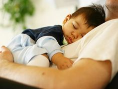 Sleep apnea in children is extremely stressing for mothers and fathers and kids as well and needs instant medical assistance. In case it is believed that their kids have this sleep problem, parents… New Fathers, New Dads, Toddlers And Preschoolers, Kids Sleep, Baby Sleep, Child Sleep, 18 Month Sleep Regression, Kids Schedule, Summer Schedule