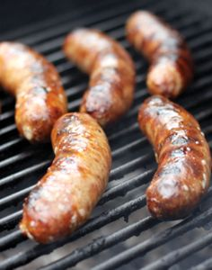 Philly Cheesesteak Bratwurst — Here's a twist on a classic favorite, but you can forget the sandwich. Get all the flavor of a Philly Cheese Steak on a bun! Bratwurst Recipes, Sausage Recipes, Pork Recipes, How To Make Sausage, Sausage Making, The Earl Of Sandwich, Specialty Meats, Smoking Meat, Perfect Food